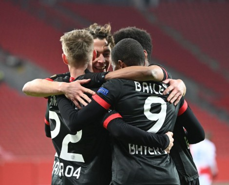 Bayer Leverkusen 4-0 Sparta Praga (VİDEO)